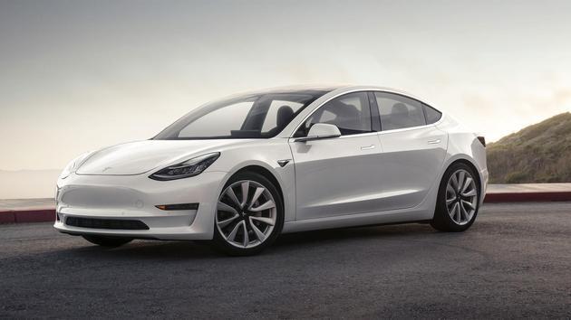 """特斯拉Model 3将亮相古德伍德速度节 最强版本5.1秒""""破百"""""""