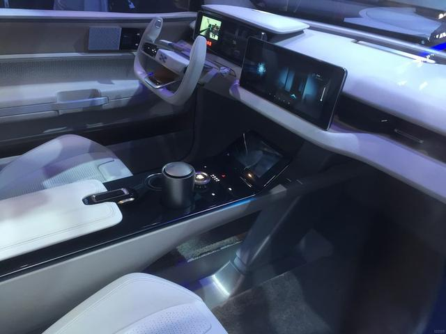 爱驰U5量产版将于11月29日首发 纯电SUV