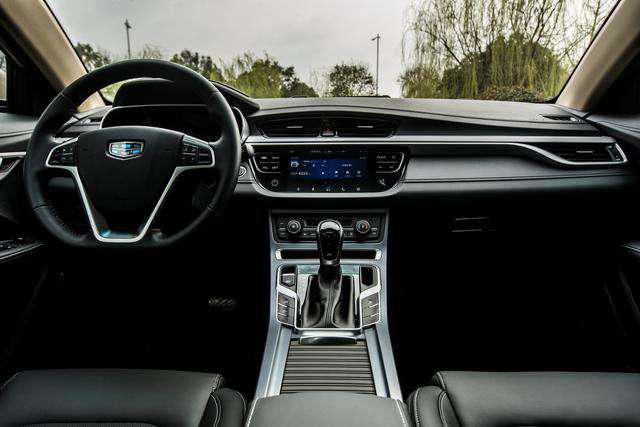 智能互聯成國產車標配,吉利帝豪、榮威i5,A級車里誰是王者