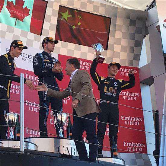 周冠宇创造历史,成为登上F2领奖台的中国第一人