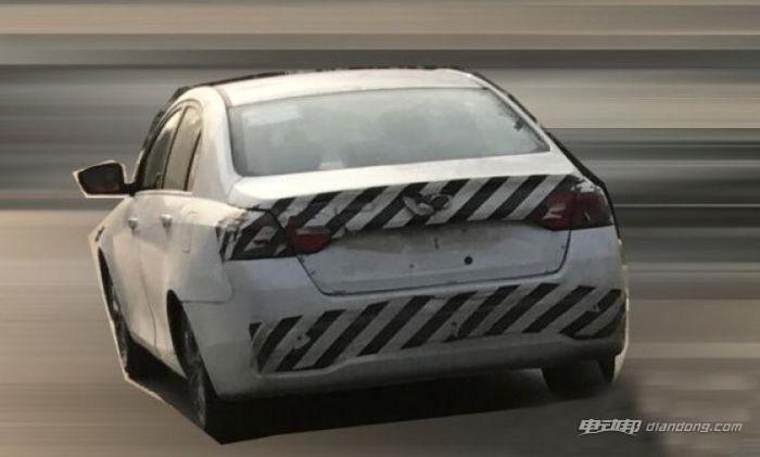 续航或增加到300km 新款帝豪EV路试谍照-汽车氪