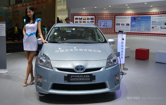 搭载太阳能发电驱动电机 丰田普锐斯日本上市-车神网