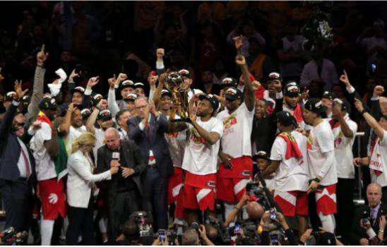 勇士王朝终结!年轻BUFF加持NBA新王者上位!