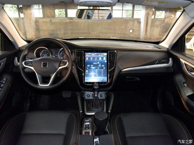 众泰汽车 众泰SR7 2016款 1.5T GAL限量版