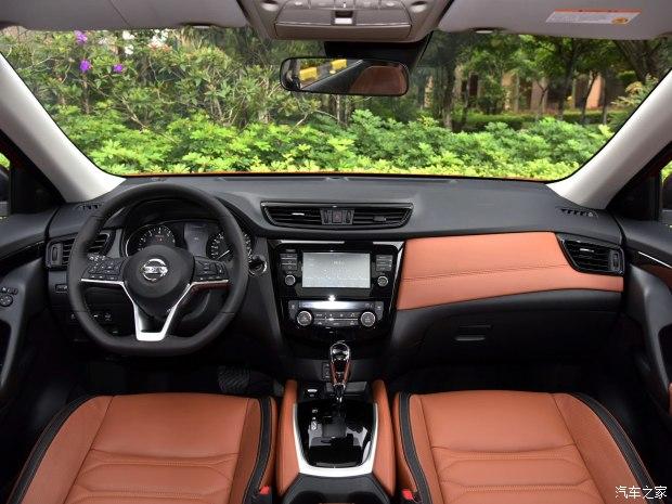 东风日产 奇骏 2017款 2.5L CVT至尊版 4WD