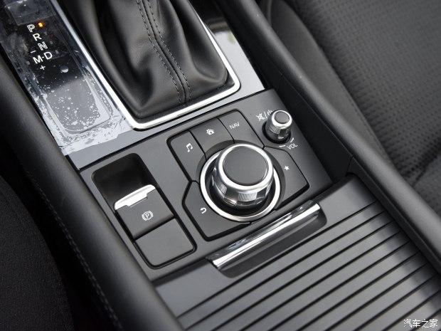 长安马自达 马自达3 Axela昂克赛拉 2017款 三厢 1.5L 自动豪华型