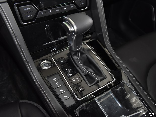 众泰汽车 大迈X7 2017款 1.8T 自动豪华型