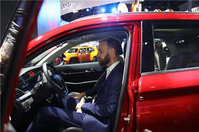直击成都车展:人气车型大乘汽车G60S引爆成交 仅售6.99万起