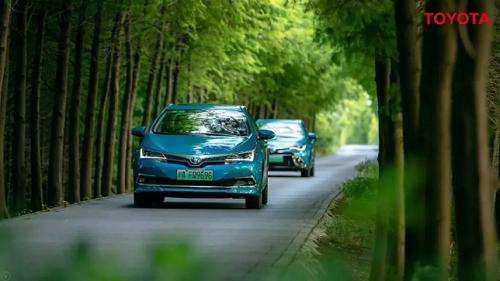 丰田EV明年上市,双擎冠军造的电动汽车有何不同?