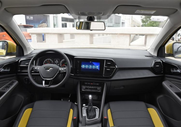 别再迷信合资品牌!CS55PLUS十万级新轻年首选SUV了解一下!