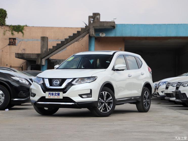 东风日产 奇骏 2020款 2.5L CVT七座豪华领航版 4WD