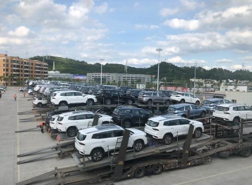 吉利豪越上市就卖脱销,工厂连夜发车依然一车难求-车神网