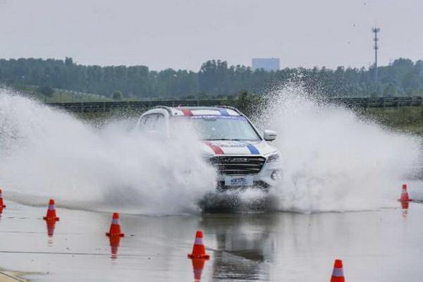 """中国汽车""""奥运会"""", 奇瑞捷途X70首次参赛即获冠军"""