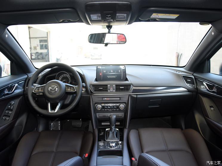 一汽马自达 马自达CX-4 2021款 2.5L 自动两驱蓝天驾趣版