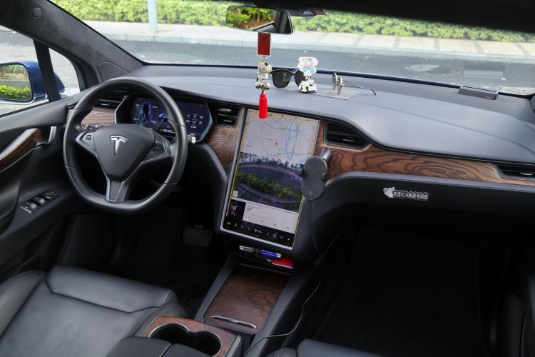 续航更长的全新ES8 VS 不差钱的任性之选Model X-汽车氪