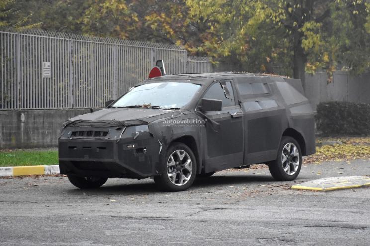 大号指南者 Jeep全新7座SUV谍照曝光