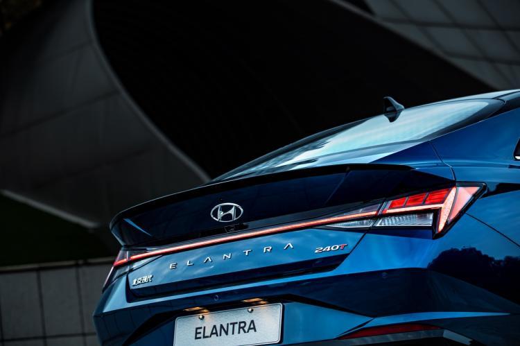 现代汽车艺术+科技计划已启幕 第七代伊兰特倾情助阵