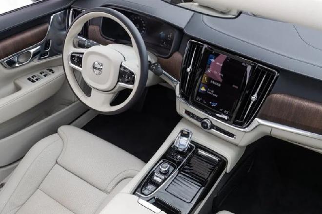 产品魅力持续加分,沃尔沃新款S90获一诺杯2020年度【最具潜力新车】