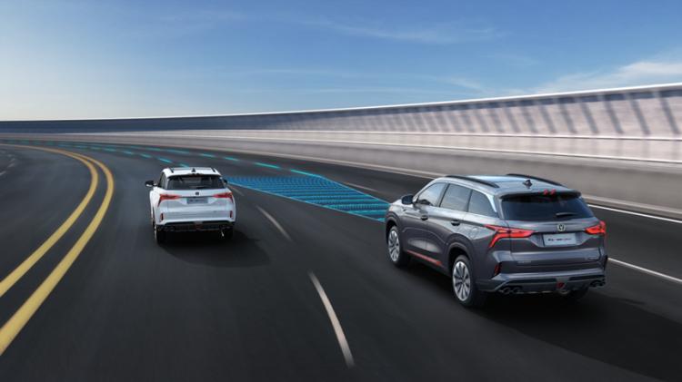 深度对比长安CS75PLUS与日产奇骏,十几万的紧凑级SUV如何选?