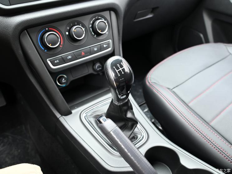 奇瑞汽车 瑞虎3 2022款 经典版 1.5L 手动豪华型